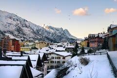 Villaggio alpino del passaggio nell'inverno Fotografia Stock Libera da Diritti
