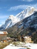 Villaggio alpino in inverno Fotografia Stock