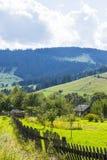 Villaggio alpino nei Carpathians Immagini Stock
