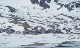 Villaggio alpino nell'inverno - Montespluga, Italia Immagine Stock Libera da Diritti