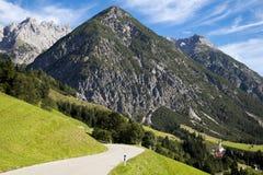 Villaggio alpino nella valle, Gramais, austriaco Immagini Stock Libere da Diritti