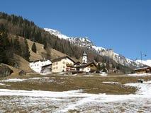 Villaggio alpino in primavera Fotografia Stock