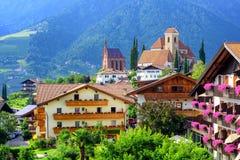 Villaggio alpino Scena, Meran, Tirolo del sud, Italia Fotografia Stock