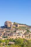 Villaggio Alquezar di Mountian in Pirenei Fotografia Stock Libera da Diritti