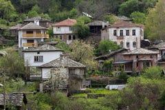 Villaggio autentico del Kosovo con le case del XIX secolo, Bulgaria immagini stock libere da diritti