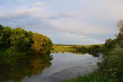 Villaggio Beregovaya di regione della Russia Tula del fiume di Oka Fotografie Stock Libere da Diritti