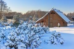 Villaggio commerciale antico della fabbrica all'inverno in Pruszcz Gdanski Fotografia Stock