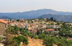 Villaggio con le montagne, Cipro di Lefkara Fotografia Stock