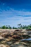Villaggio dei pescatori dalla spiaggia di Dungun Immagini Stock