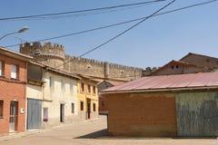Villaggio del castello di Grajal de Campos, provincia di Leon, Castiglia a fotografia stock libera da diritti