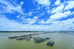 Villaggio del pescatore in mare tailandese Immagine Stock