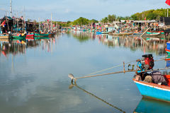Villaggio del pescatore nella metà della Tailandia Fotografie Stock Libere da Diritti