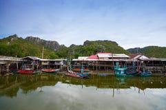 Villaggio del pescatore in Tailandia Immagini Stock Libere da Diritti