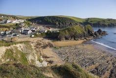 Villaggio della baia di speranza, Devon, Inghilterra immagine stock