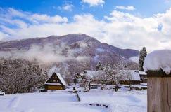 Villaggio della neve immagini stock libere da diritti