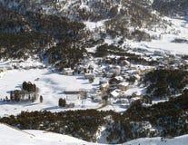 Villaggio dello svizzero dello Snowy Fotografie Stock Libere da Diritti