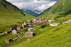 Villaggio di alta montagna. Immagine Stock