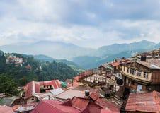 Villaggio di alta montagna Shimla in Himalaya Fotografie Stock Libere da Diritti