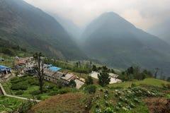 Villaggio di Chomrong nel Nepal Fotografie Stock