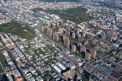 Villaggio di Claremont New York bronx Vista dell'elicottero fotografia stock libera da diritti
