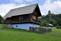 Villaggio di eredità e castello Stara Lubovna, Slovacchia, Europa Fotografia Stock