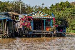 Villaggio di galleggiamento, Cambogia, linfa di Tonle, isola di Koh Rong immagini stock
