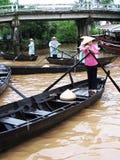 Villaggio di galleggiamento nel Vietnam Immagine Stock Libera da Diritti