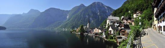 Villaggio di Hallstatt & lago Hallstatt Immagini Stock Libere da Diritti