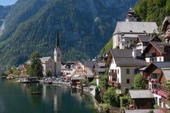 Villaggio di Hallstatt nelle alpi dell'Austria Fotografia Stock Libera da Diritti