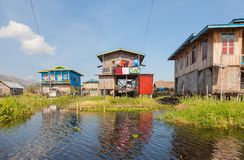 Villaggio di Hupin Nyaung Shwe nel lago Inle Fotografie Stock