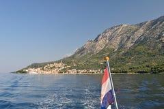 Villaggio di Igrane con la torre in Croazia Fotografia Stock
