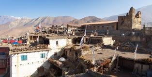 Villaggio di Jharkot, montagne dell'Himalaya del Nepal immagini stock libere da diritti