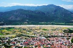 Villaggio di Kalambaka immagini stock
