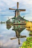 Villaggio di legno Holland Netherlands di Zaanse Schans dei mulini a vento Immagini Stock