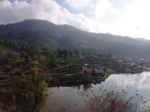 Villaggio di lungomare in Tailandia fotografia stock