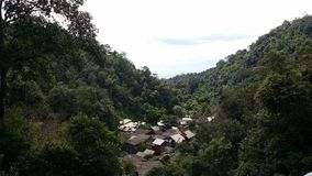 Villaggio di Mae Kam Pong in una valle Immagine Stock