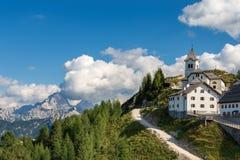 Villaggio di Monte Santo di Lussari - Tarvisio Italia Fotografia Stock Libera da Diritti