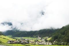 Villaggio di Niederthai alla valle in Tirolo, Austria di Otztal Fotografie Stock Libere da Diritti