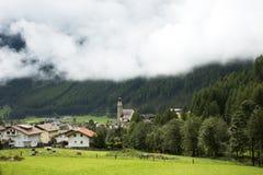 Villaggio di Niederthai alla valle in Tirolo, Austria di Otztal Fotografia Stock