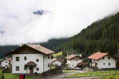 Villaggio di Niederthai alla valle in Tirolo, Austria di Otztal Fotografia Stock Libera da Diritti