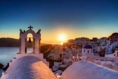 Villaggio di OIA al tramonto Fotografia Stock Libera da Diritti