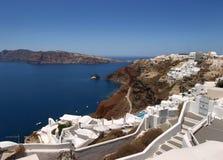 Villaggio di Oia su Santorini immagine stock libera da diritti