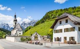 Villaggio di Ramsau, alpi bavaresi, Germania Fotografie Stock Libere da Diritti