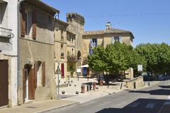 Villaggio di Remoulin in Francia Immagini Stock Libere da Diritti