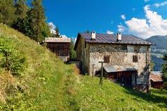 Villaggio di Ronch - di Dolomiti Immagine Stock Libera da Diritti