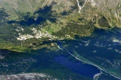 Villaggio di San Bernardino e lago, Svizzera Immagine Stock