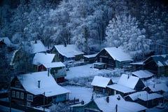 Villaggio di Snowy Fotografia Stock Libera da Diritti