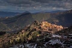 Villaggio di Speloncato nella regione di Balagne di Corsica Fotografie Stock Libere da Diritti