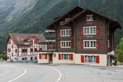 Villaggio di Spiringen sul cantone Uri nelle alpi svizzere Fotografie Stock Libere da Diritti