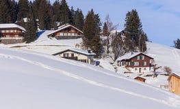 Villaggio di Stoos in Svizzera nell'inverno Immagini Stock Libere da Diritti